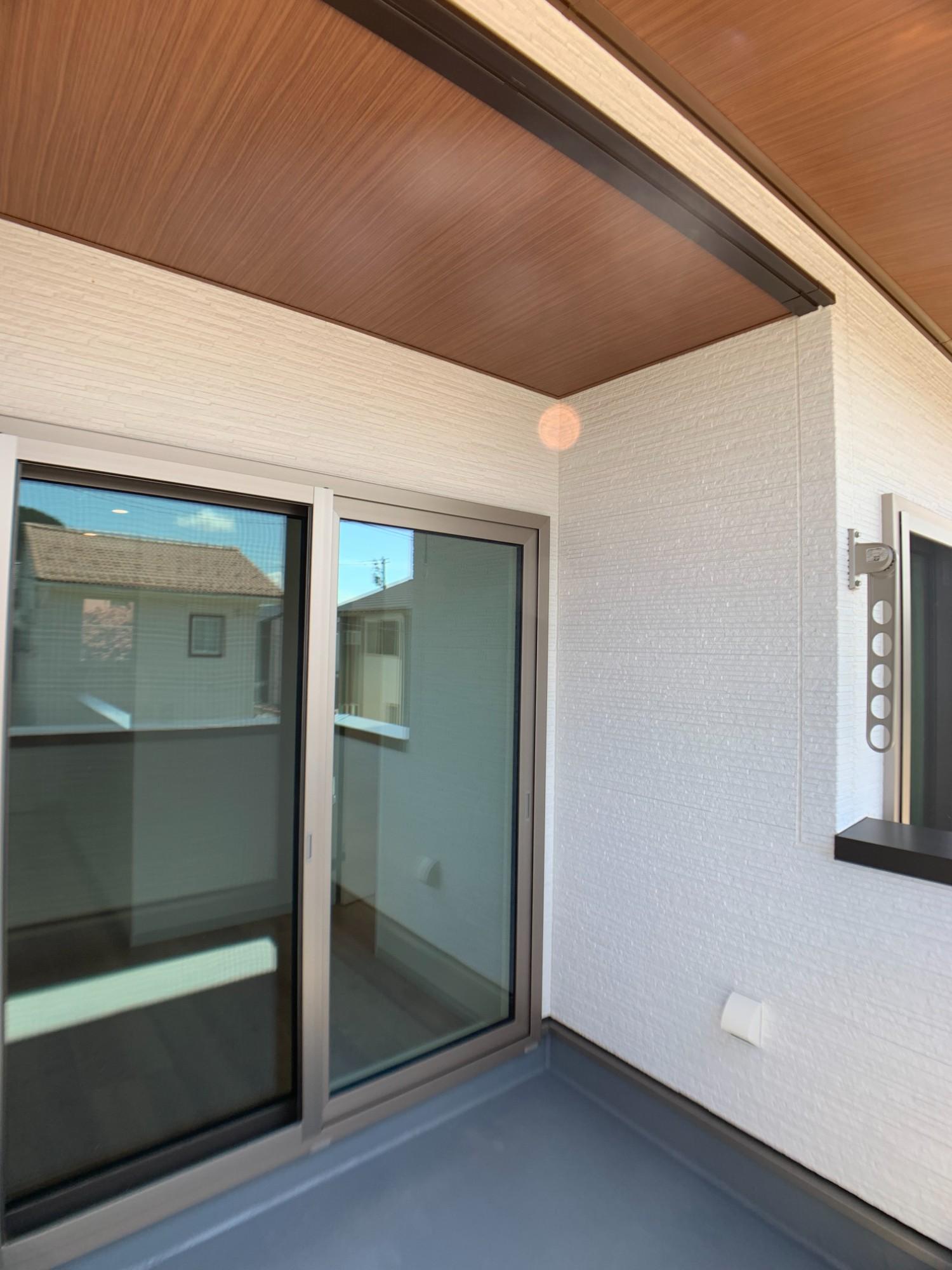 「【施工事例】新しい生活様式を取り入れた子育て世代の住宅」のベランダ・バルコニーの実例写真