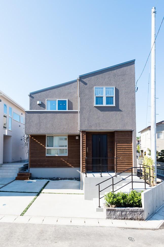 フクダハウジング株式会社「グレーを基調にしたヴィンテージテイストの家」のヴィンテージな外観の実例写真
