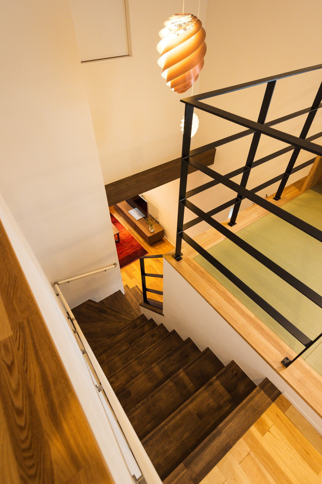 フクダハウジング株式会社「ワンランク上の美しさと機能性の高い家」のシンプル・ナチュラル・モダンな階段の実例写真