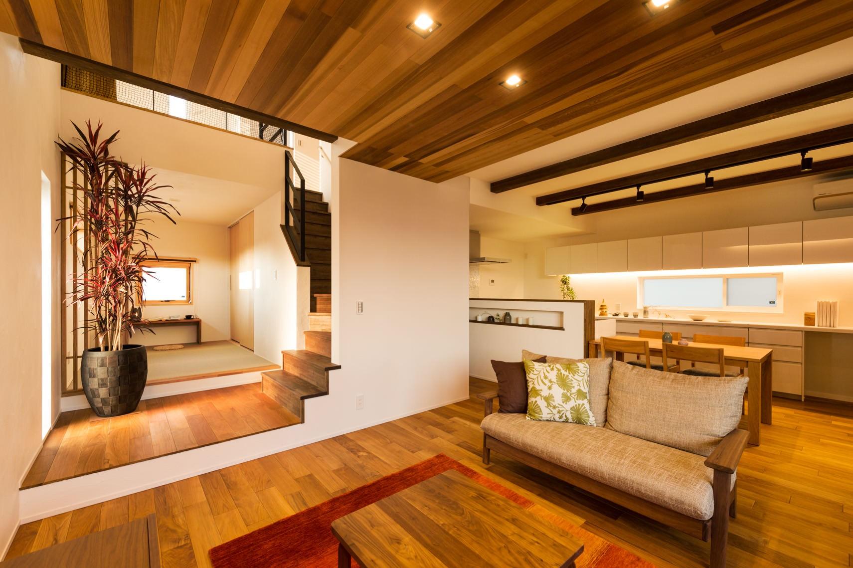 フクダハウジング株式会社「ワンランク上の美しさと機能性の高い家」のシンプル・ナチュラル・モダン・自然素材なリビング・ダイニングの実例写真
