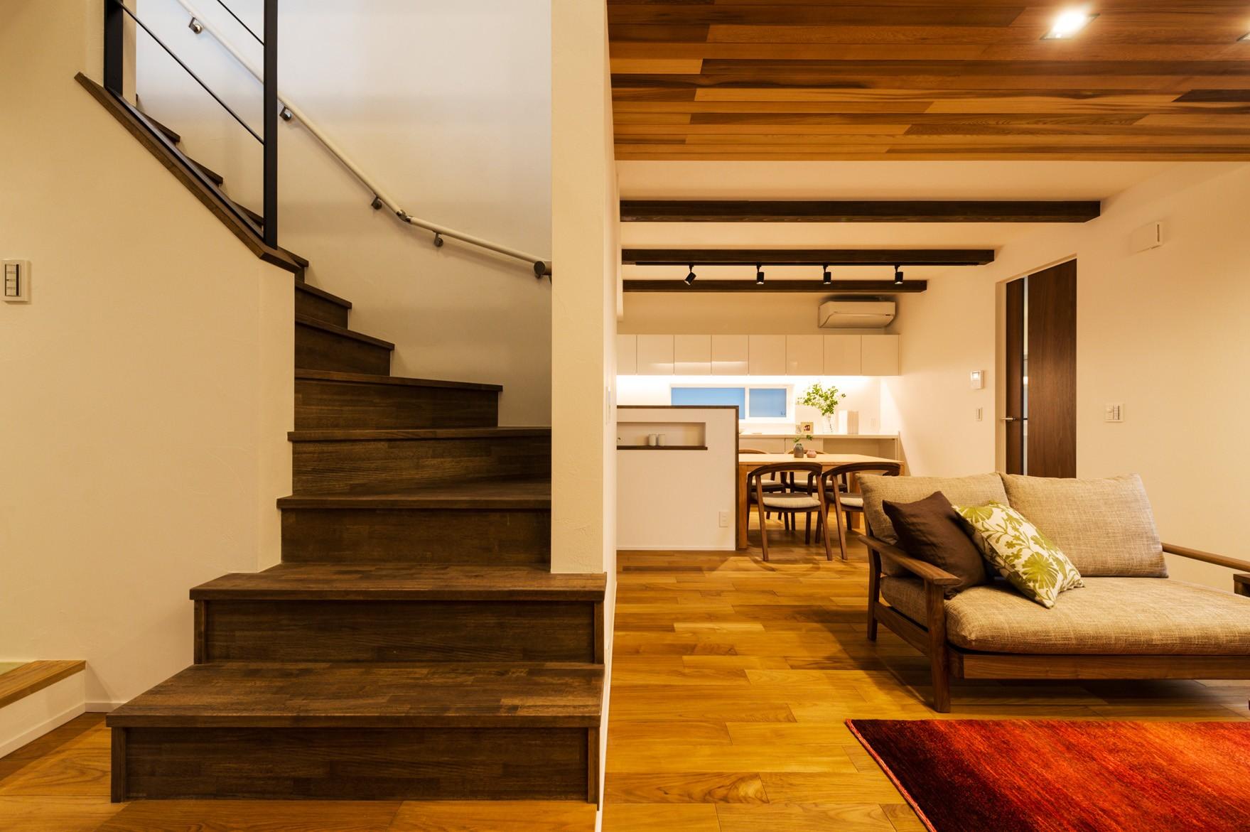 フクダハウジング株式会社「ワンランク上の美しさと機能性の高い家」のリビング・ダイニングの実例写真
