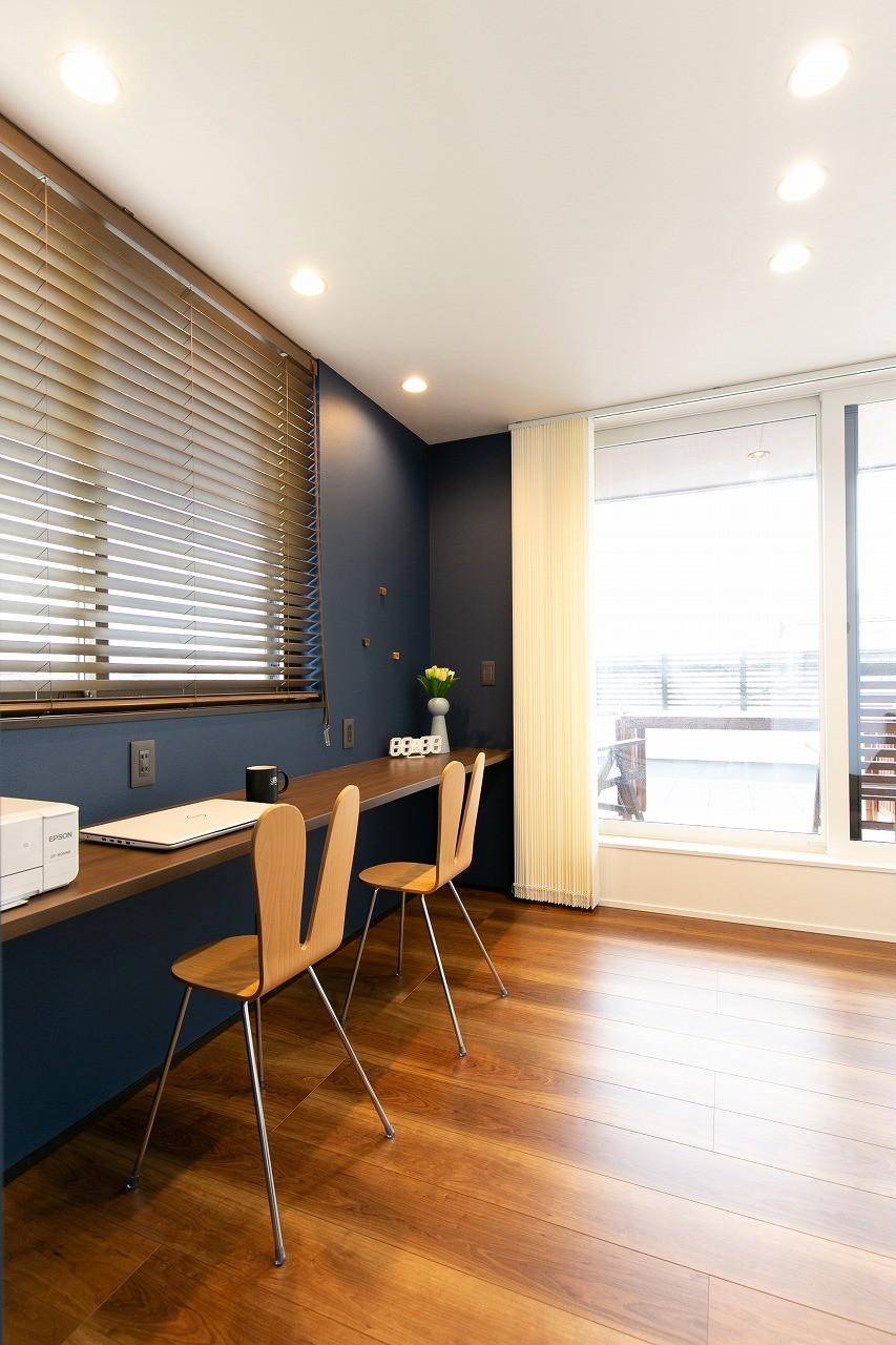 フクダハウジング株式会社「家族みんなが楽しく過ごせる工夫がつまった家」のシンプル・ナチュラルな居室の実例写真