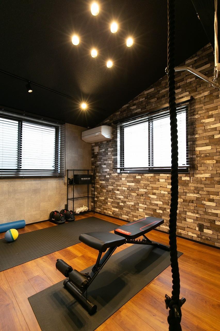 フクダハウジング株式会社「家族みんなが楽しく過ごせる工夫がつまった家」のヴィンテージな居室の実例写真