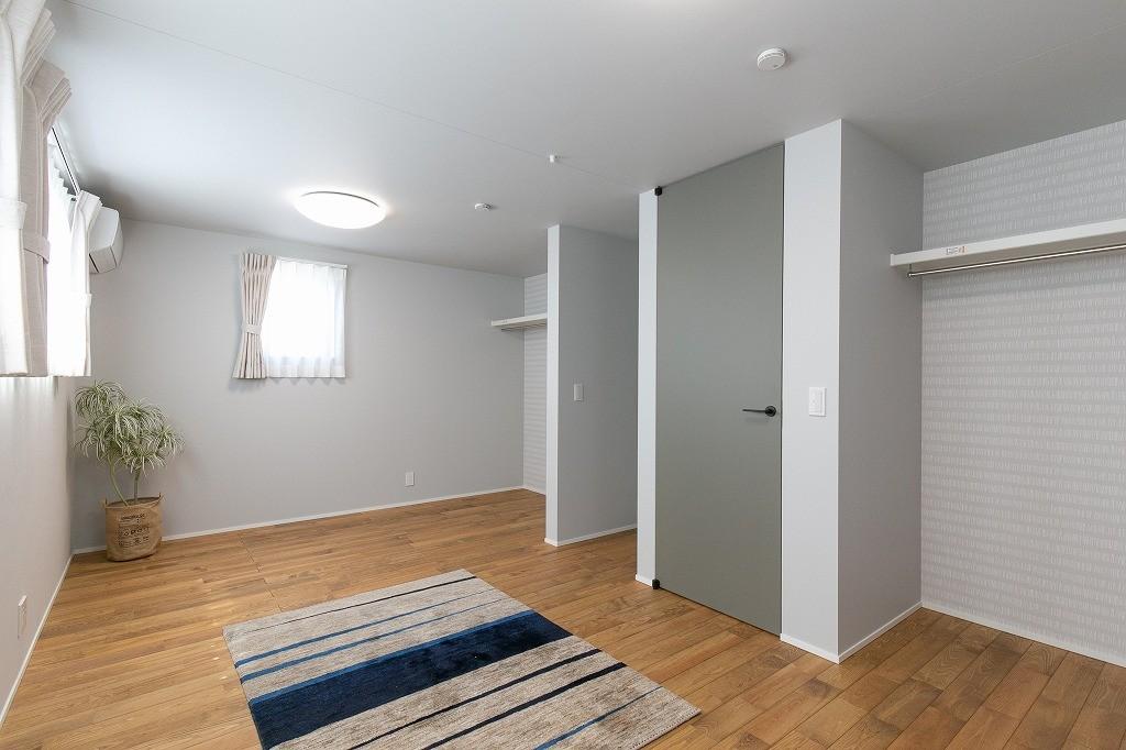 フクダハウジング株式会社「耐震性・デザイン性にこだわった長期優良住宅」のシンプル・ナチュラルな居室の実例写真
