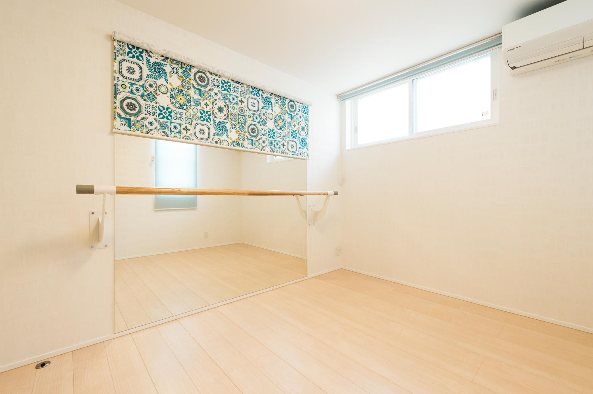 フクダハウジング株式会社「どこに居ても気持ちよくリラックスできる家」のシンプル・ナチュラルな居室の実例写真