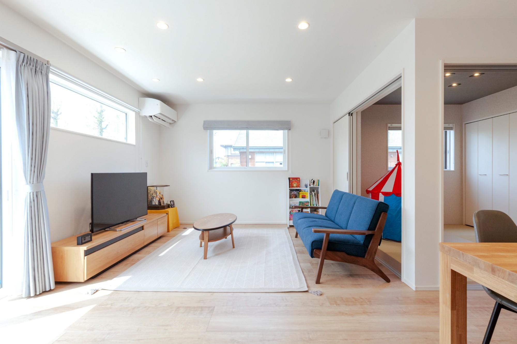 新潟材協 クオリティハウス「家事導線をデザインする」のリビング・ダイニングの実例写真
