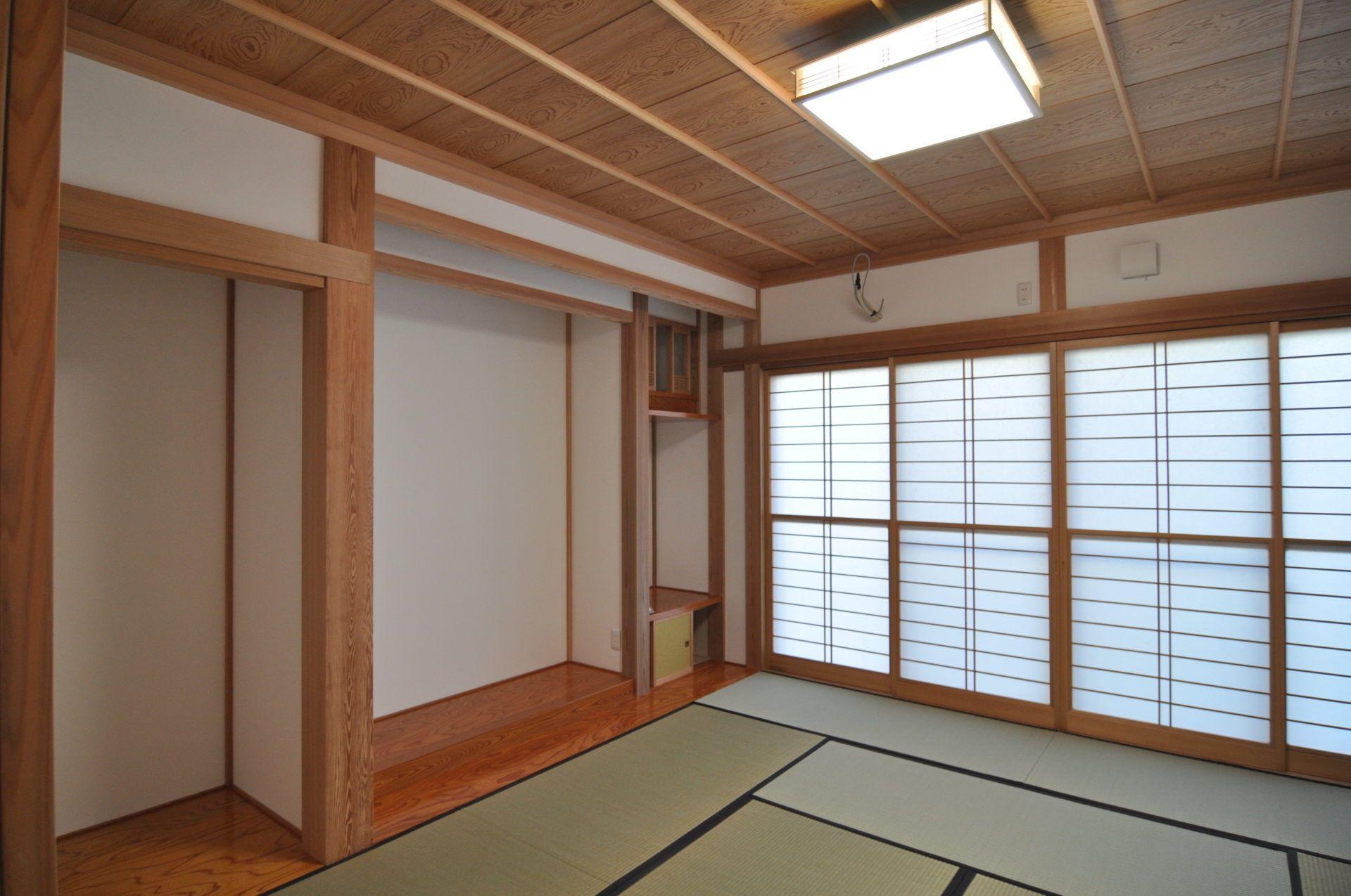 有限会社 市川建築店 1級建築士事務所「三条市 T様邸」の和風・和モダンな居室の実例写真