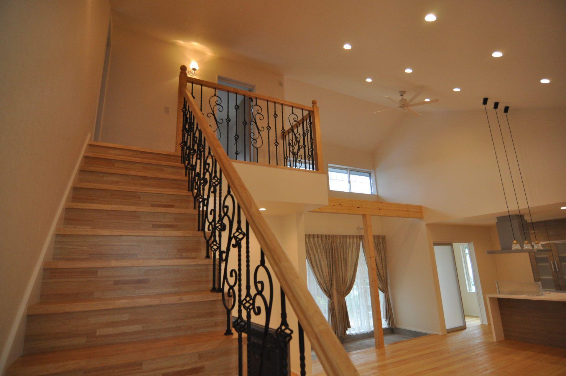 有限会社 市川建築店 1級建築士事務所「三条市 I様邸」のシンプル・ナチュラル・北欧風な階段の実例写真