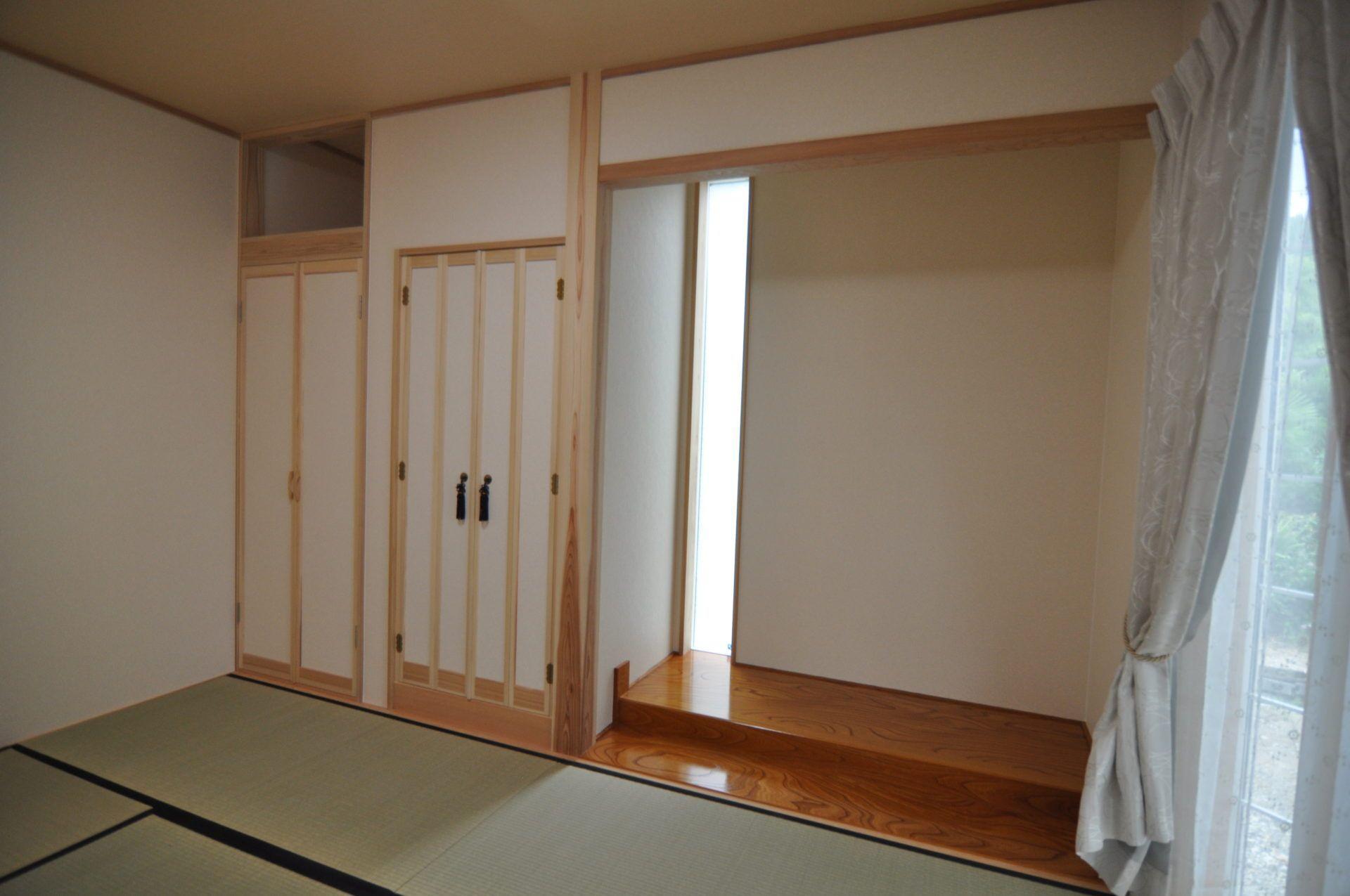 有限会社 市川建築店 1級建築士事務所「三条市 I様邸」の和風・和モダンな居室の実例写真