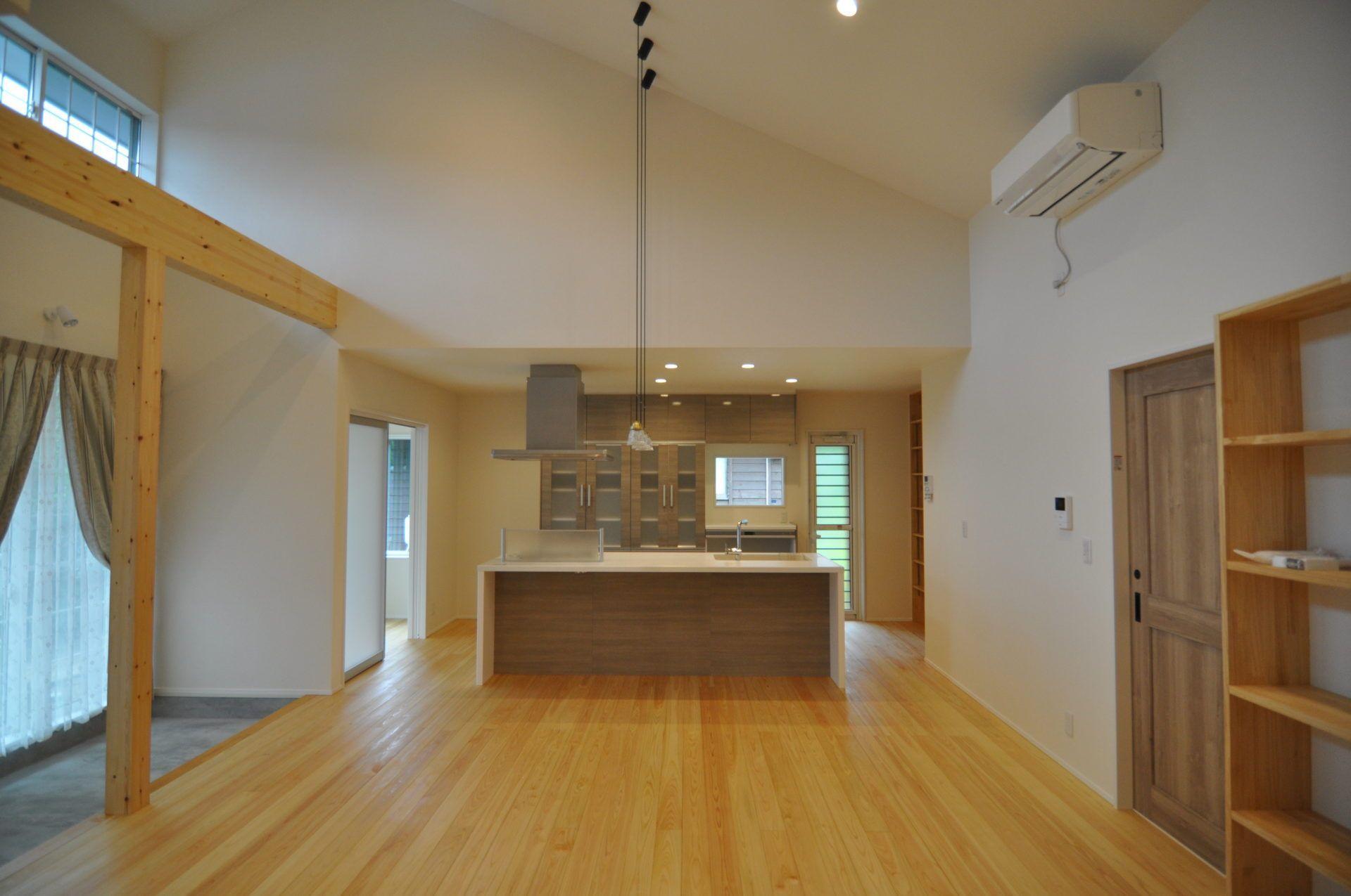 有限会社 市川建築店 1級建築士事務所「三条市 I様邸」のシンプル・ナチュラル・モダン・北欧風なキッチンの実例写真