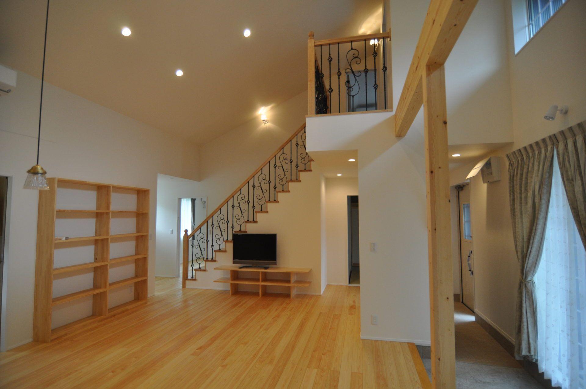 有限会社 市川建築店 1級建築士事務所「三条市 I様邸」のシンプル・ナチュラル・北欧風なリビング・ダイニングの実例写真