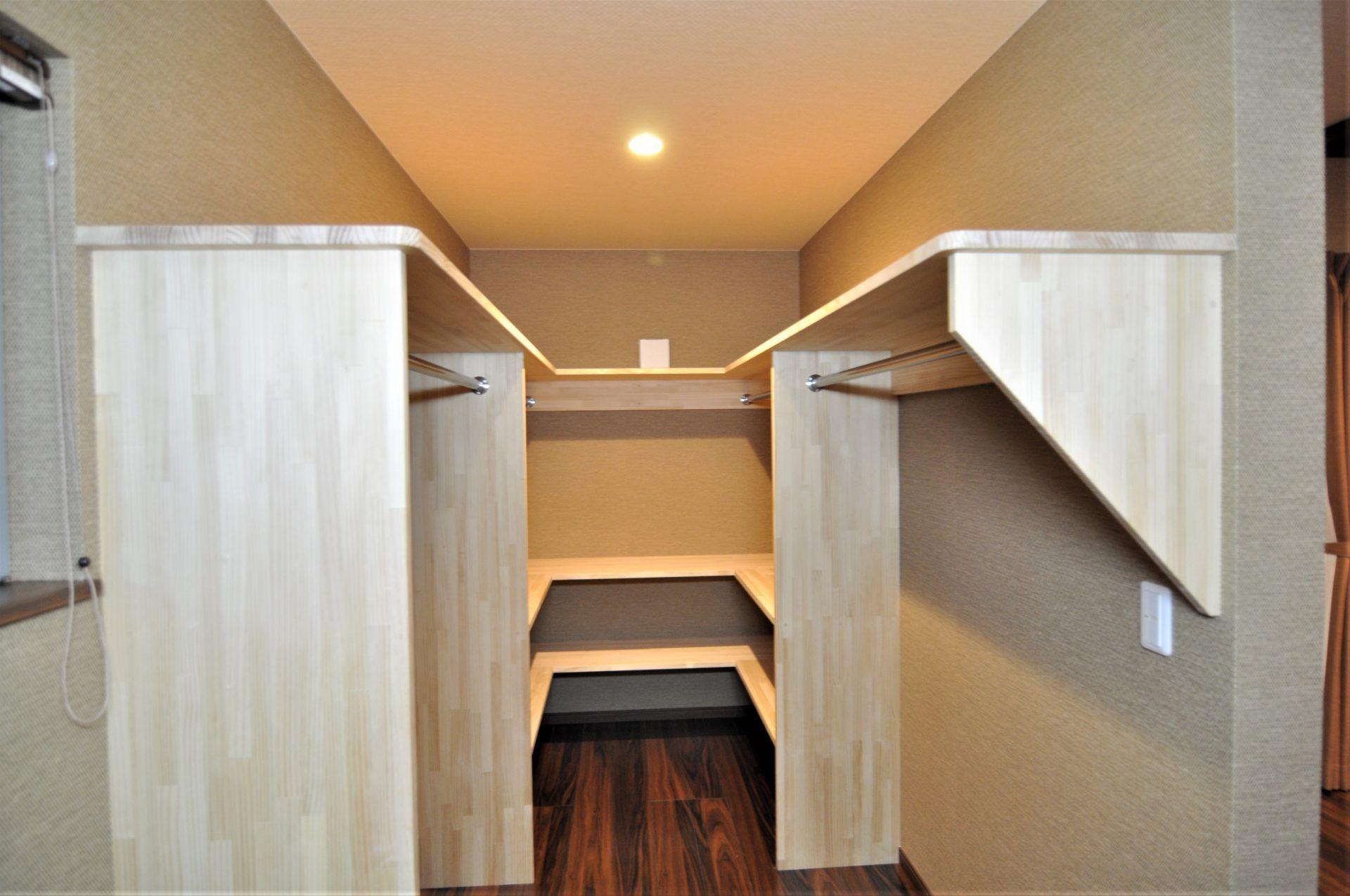 有限会社 市川建築店 1級建築士事務所「三条市 I様邸」のシンプル・ナチュラル・和風・和モダンな収納スペースの実例写真