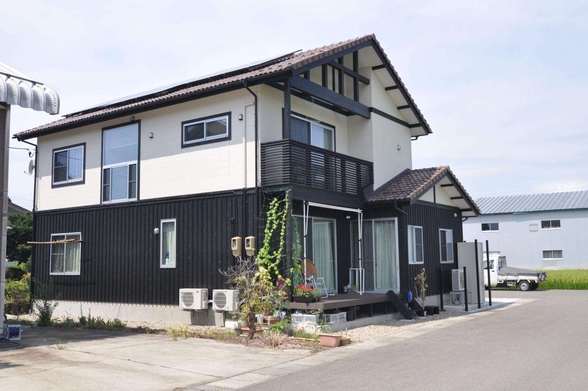 有限会社 市川建築店 1級建築士事務所「三条市 I様邸」の和風・和モダンな外観の実例写真