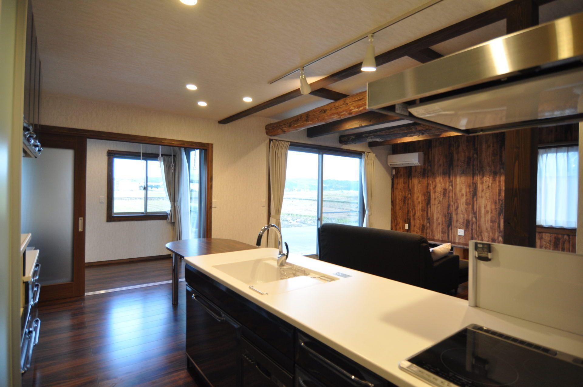 有限会社 市川建築店 1級建築士事務所「三条市 I様邸」のシンプル・ナチュラル・和風・和モダンなキッチンの実例写真