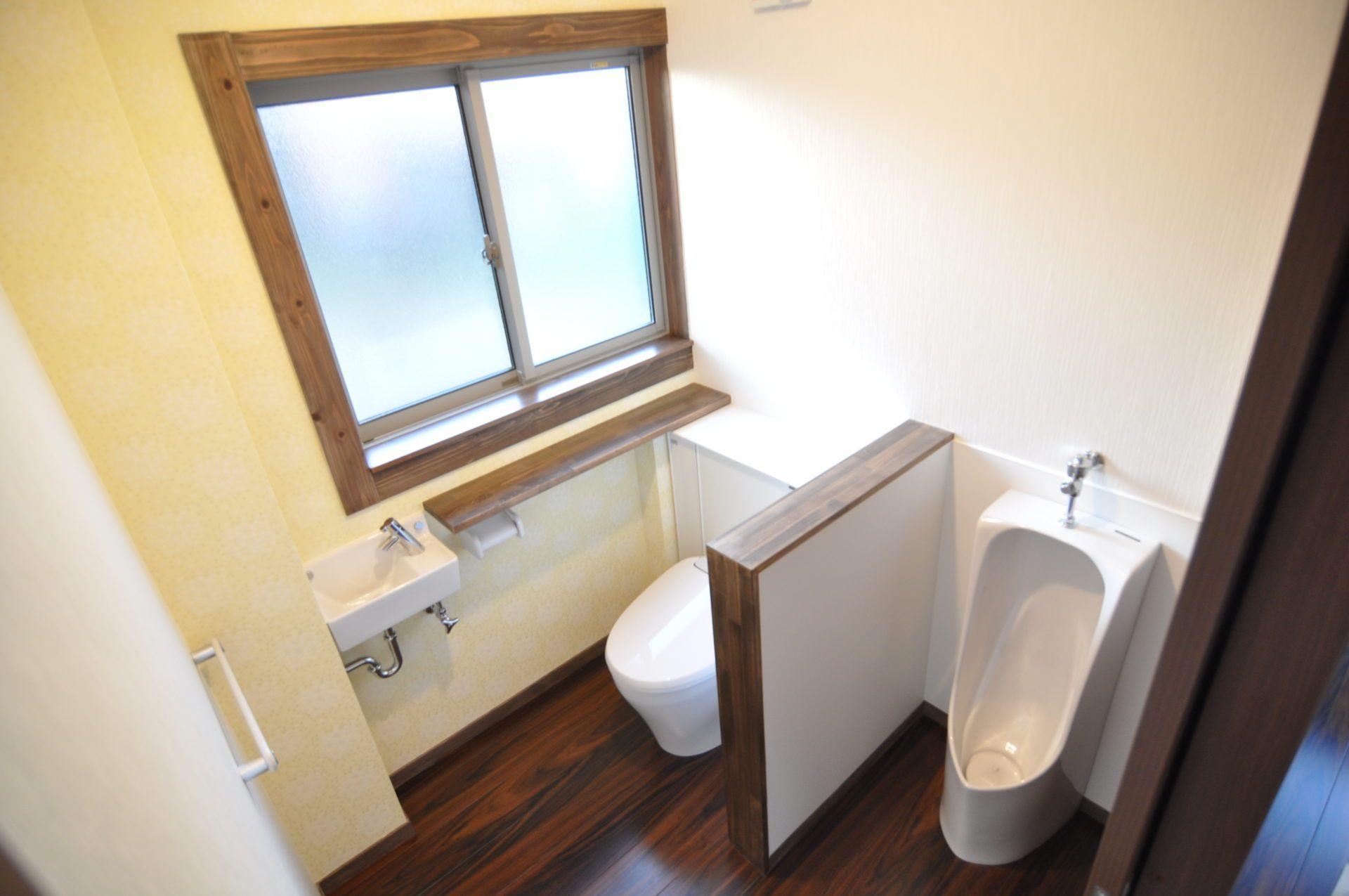 有限会社 市川建築店 1級建築士事務所「三条市 I様邸」の和風・和モダンなトイレの実例写真