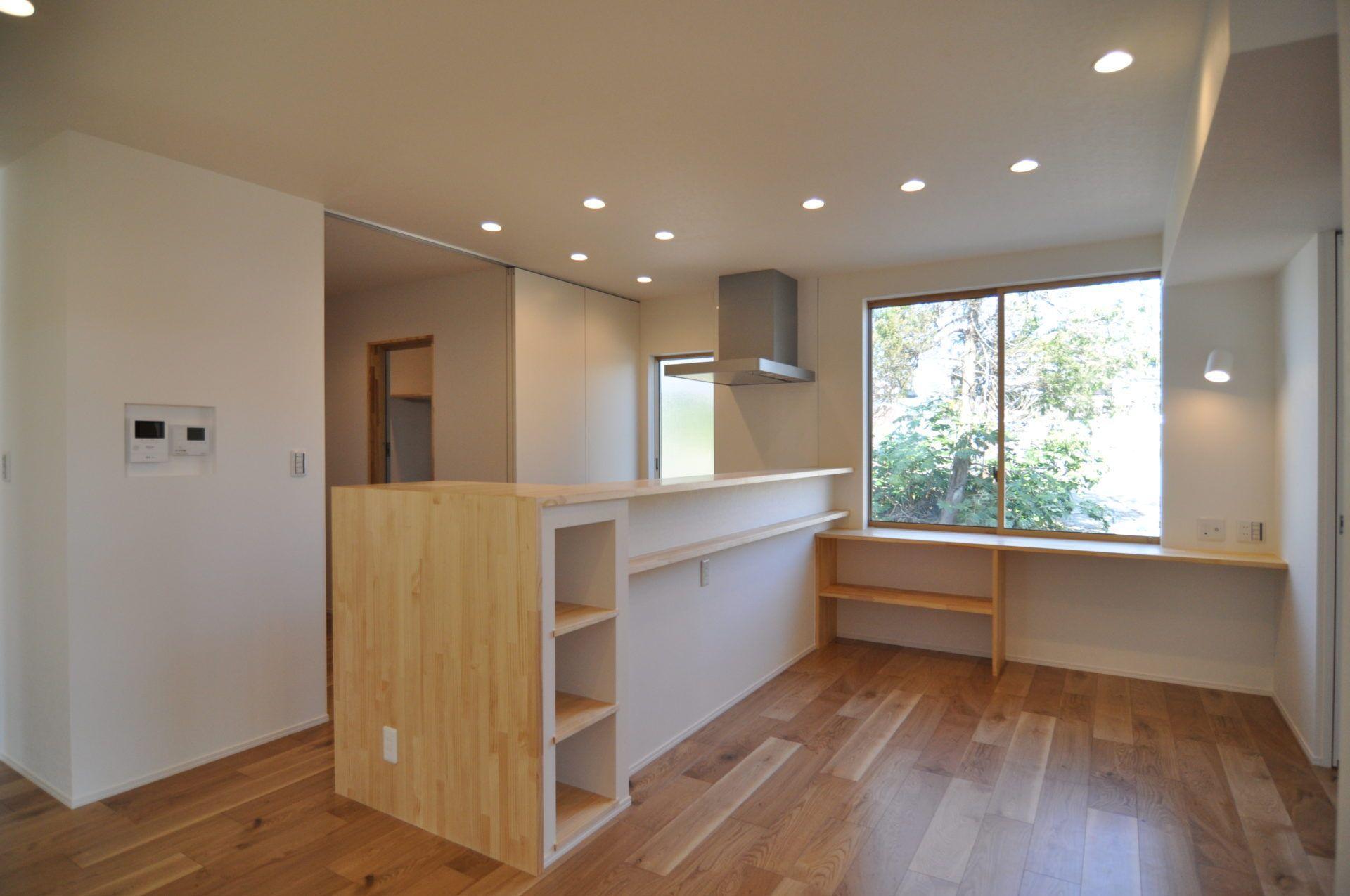 有限会社 市川建築店 1級建築士事務所「加茂市 Y様邸」のシンプル・ナチュラル・モダンなキッチンの実例写真
