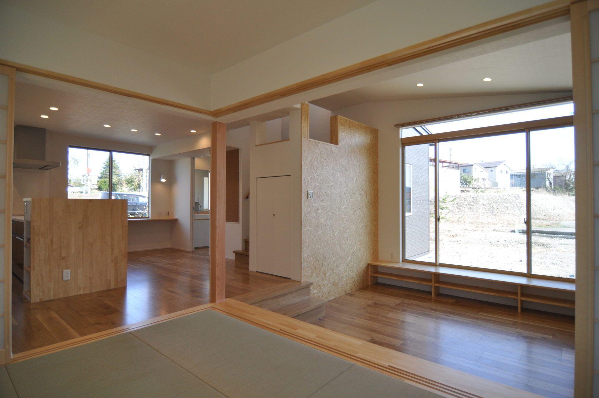 有限会社 市川建築店 1級建築士事務所「加茂市 Y様邸」のシンプル・ナチュラル・モダン・和風・和モダンなリビング・ダイニングの実例写真