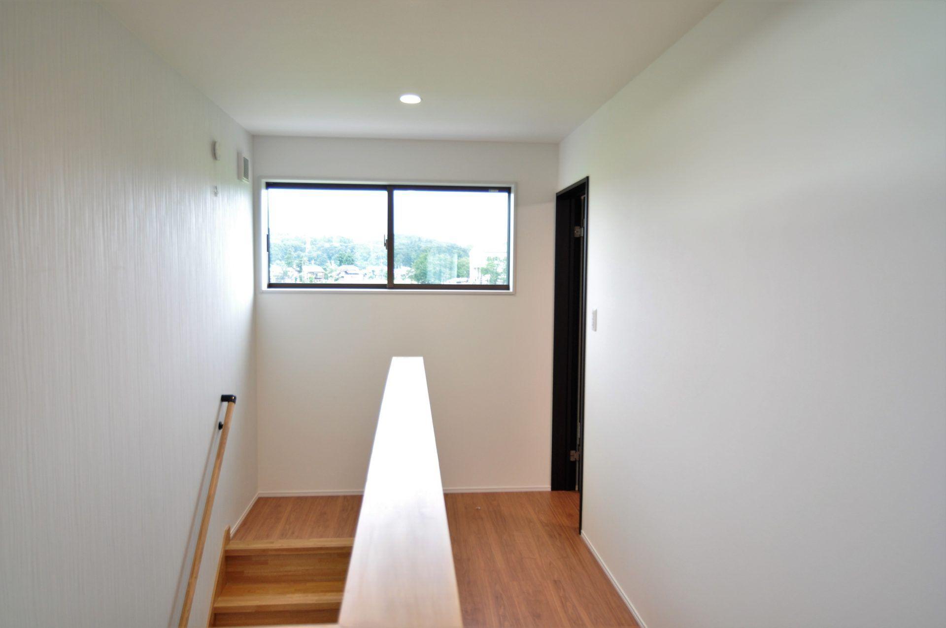 有限会社 市川建築店 1級建築士事務所「三条市 O様邸」のシンプル・ナチュラルな階段の実例写真