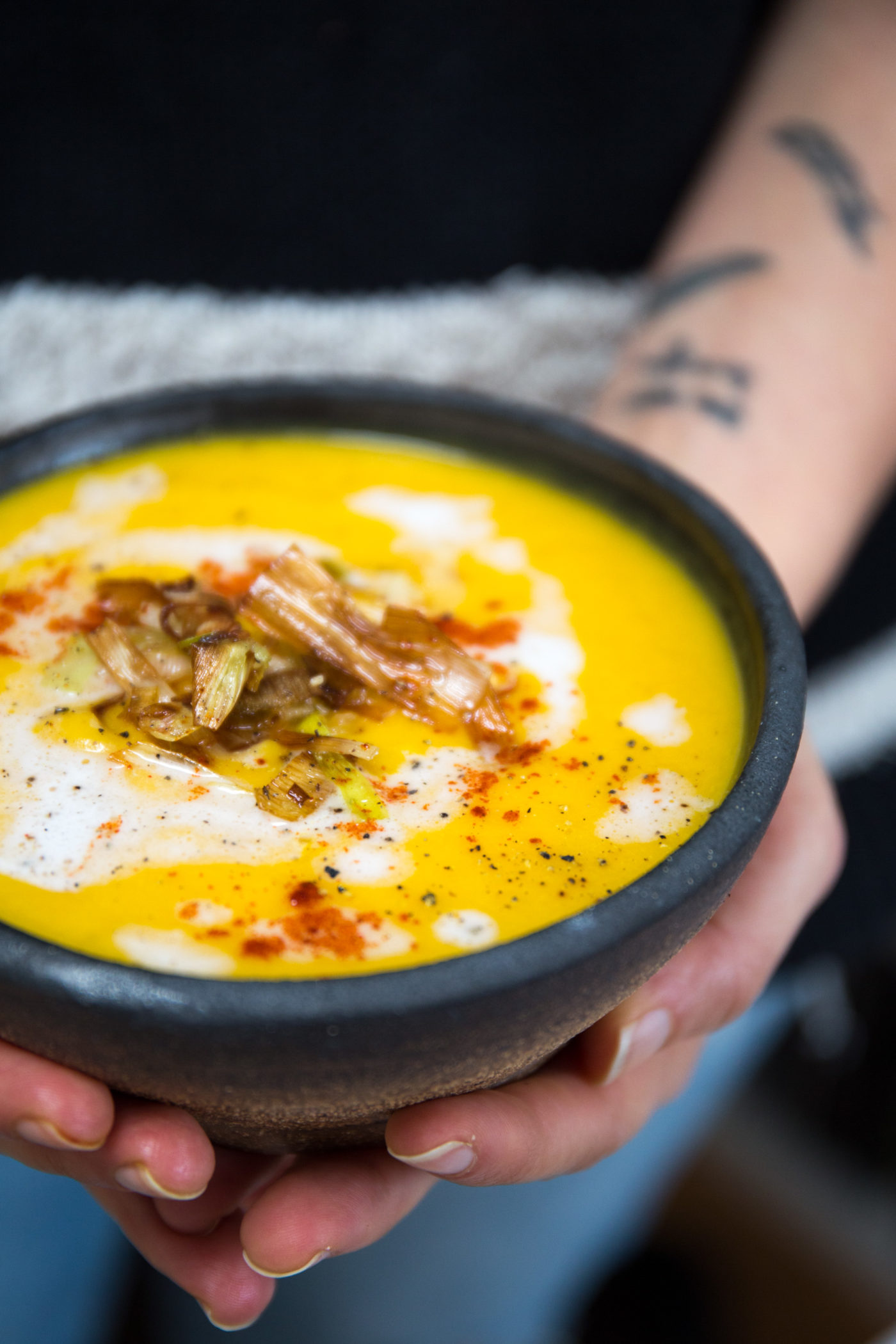 Butternut Squash Apple Soup with Crispy Leeks (Vegan, Paleo, Gluten Free)