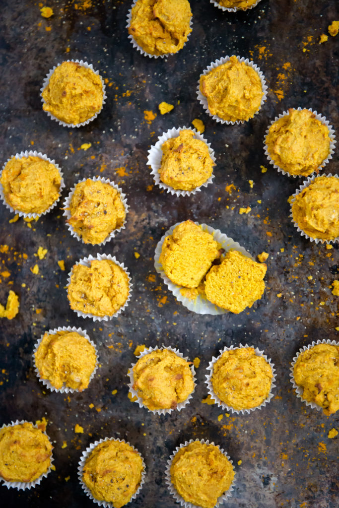 healthy turmeric muffins