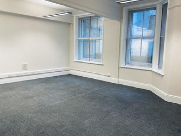 OFFICE TO RENT IN PICCADILLY, W1J