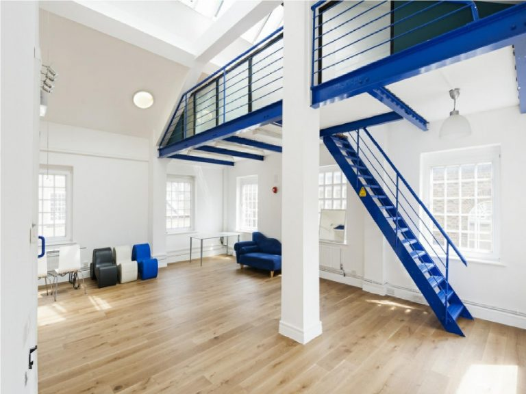 OFFICE TO RENT IN CHAPEL PLACE, EC2A