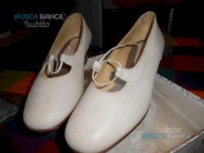 calzatura per donna