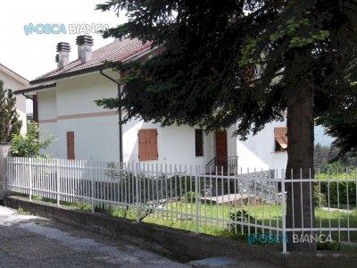 Tiglieto, villa bifamigliare