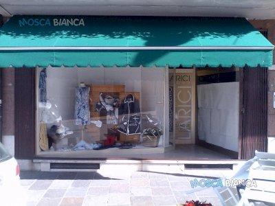 privato vende negozio in centro ad asiago (vi)