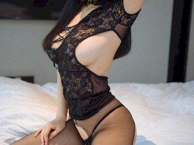 Titti, favolosa giovane raazza mora orientale con bel fisico tutto per te...