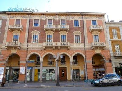 CUNEO, Corso Nizza - UFFICIO di 2 VANI (o NEGOZIO)