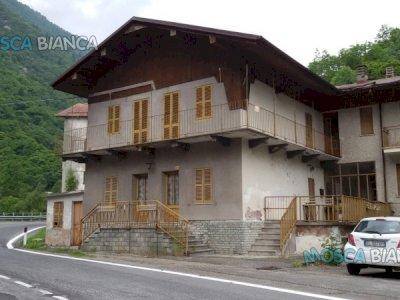 Appartamento 4 vani, cantina, garage e terreno