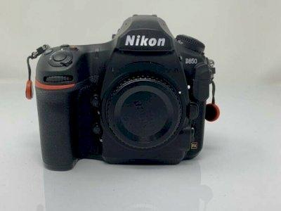 Fotocamera Nikon D850 in perfette condizioni per la vendita