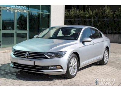 VOLKSWAGEN Passat 1.6 TDI DSG Business BlueMotion T