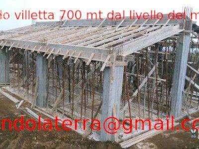 Vendo villetta 200m², su un livello, nuova costruzione, documenti in regola, circondata da 3ha di terreno, vista mar Tirreno, 700 mt dal livello del mare.