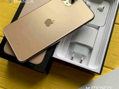 prezzo Apple iPhone 11 Pro iPhone X Galaxy S20