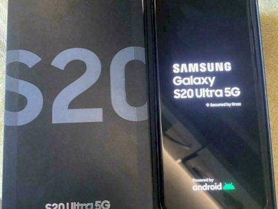 Samsung Galaxy S20 128GB = €400,Samsung S20+ 128GB = €420, Samsung S20 Ultra 128GB = €450, Samsung Z Flip 256GB = €500 , WHATSAPP Chat : +27642105648