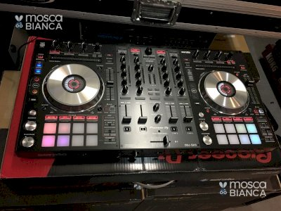Pioneer DDJ-SX3 Controller costo 550 EUR, Pioneer DDJ-1000 Controller costo 550EUR  Pioneer XDJ-RX2 costo 800EUR , Whatsapp Chat : +27837724253