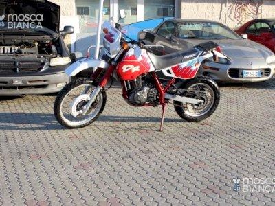 MOTO DA CROSS SUZUKI DR 650
