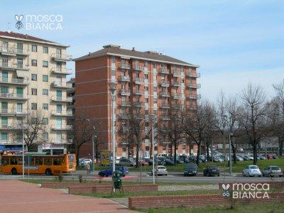 Appartamento In Via Samone, 15, 4º Piano, Torino zona Rebaudengo-Iveco 100 m² 4 locali + Box auto e cantina. Molto panoramico.