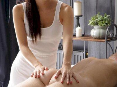 Lisa, novità. favolosa giovane ragazza mora orientale per tutti i tipi di massaggi....