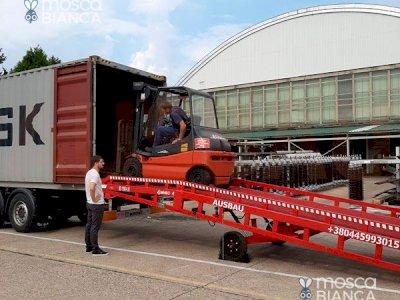 Le rampe di carico per carelli elevatori AUSBAU dal produttore