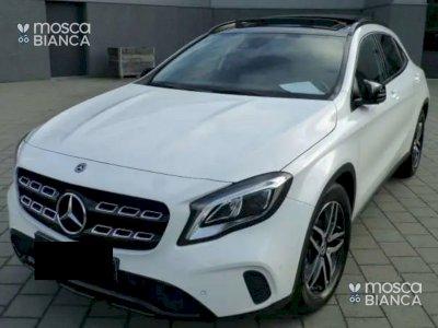 Mercedes GLA 180 Night pack-panodak-LED 122 cv
