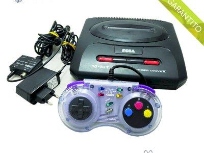 Console Sega Mega Drive 2 con controller compatibile e cavi