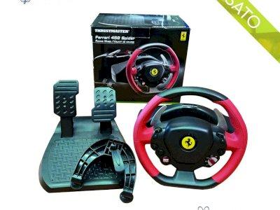 Postazione Volante Thrustmaster Ferrari 458 Spider con pedaliera Xbox One e Xbox serie X