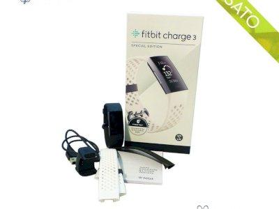 Fitbit Charge 3 Tracker Avanzato per Fitness e Benessere Unisex Adulto Smartwatch - USATO