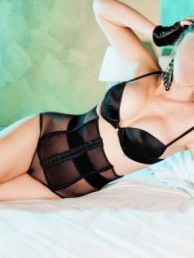 Escorts Donne bella_escort (tirano)
