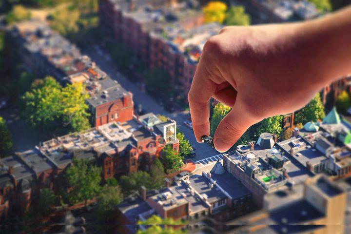 Kaupunkien ja kuntien omistamien autojen vertaisvuokraaminen asukkaille osana liikkumispalvelutarjontaa