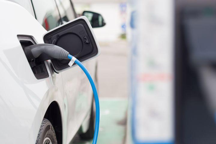 Yhteiskäyttöinen sähköautokokeilu - Tuuppaus kohti päästöttömiä työasiamatkoja ja toimintakulttuurin muutosta