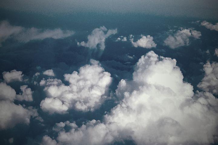 Ilmastotyötä pilvessä: oppilaitosten kestävän kehityksen vauhdittaminen hallintokuntien yhteistyötä ja resilienssiä vahvistamalla